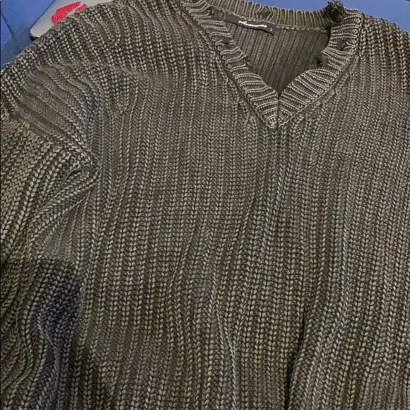 Olivaceous Sweaters - Gray vneck sweater